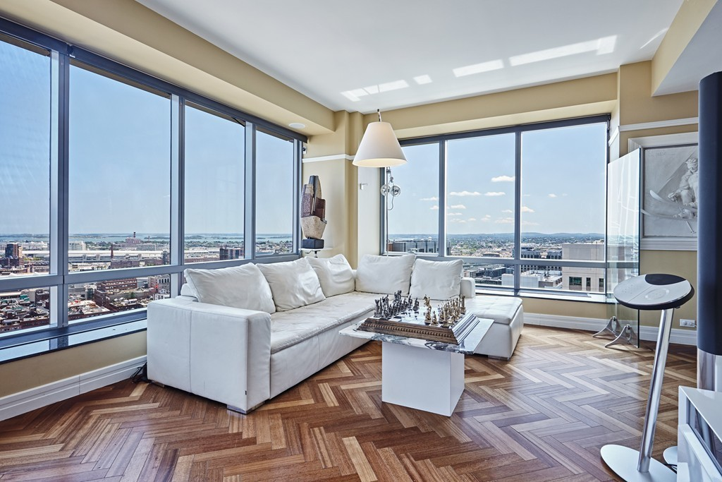 Downtown Boston condos for sale under $4,000,000